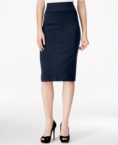 the high-waised skirt helps to minimize the tummy